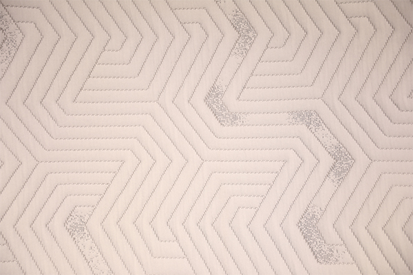 Geometric knitted air layer